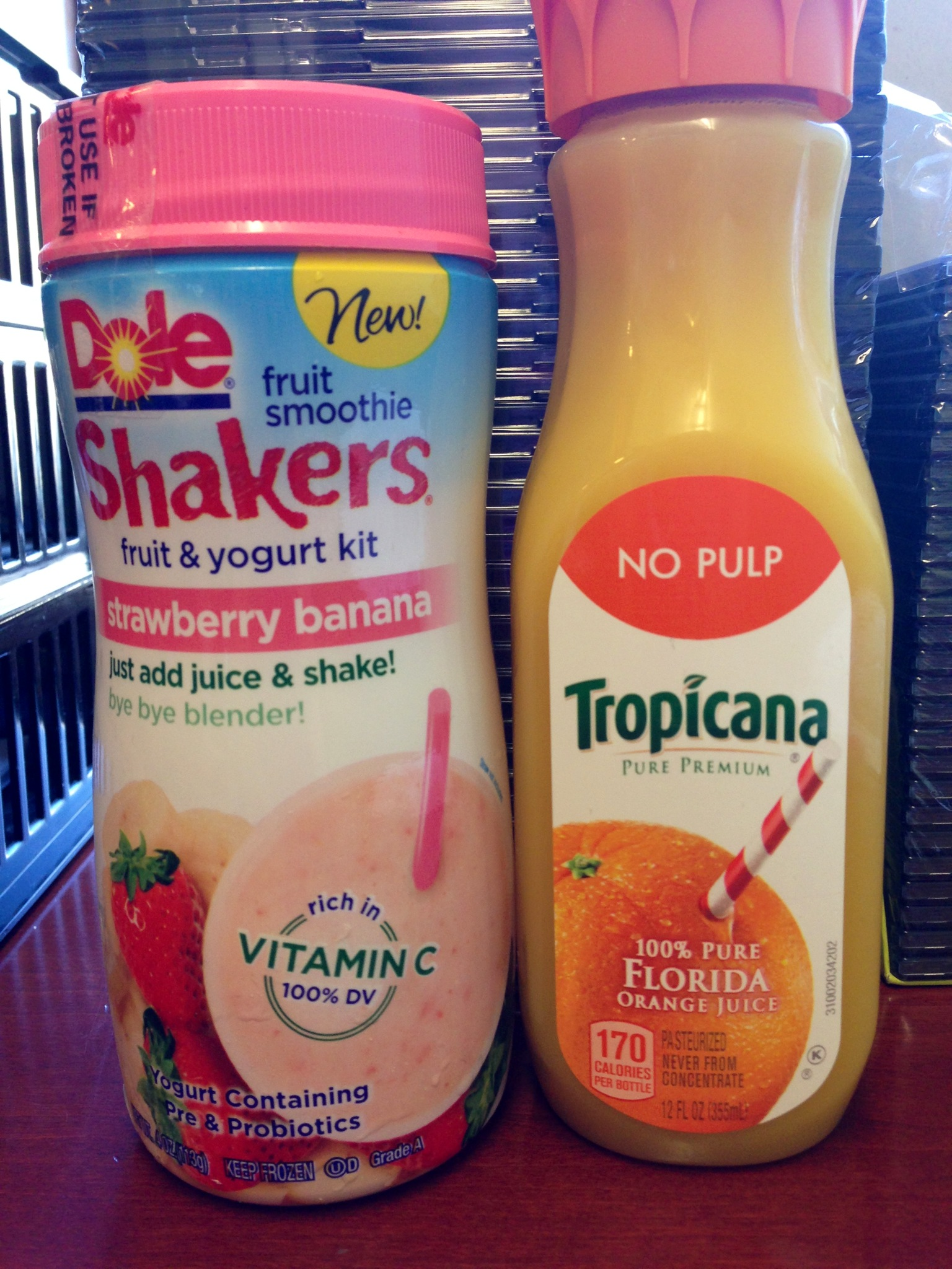 Dole Fruit Smoothie Shakers Pearls And Paris